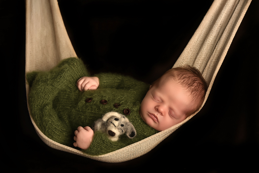safety certified newborn photographers in london ontario